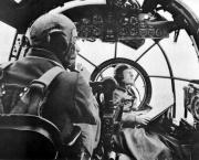 heinkel_he_111_bomber_cockpit_01.9jvuwhhs49og4o4cwcw448s40.ejcuplo1l0oo0sk8c40s8osc4.th