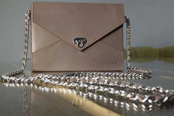 Элегантная дамская сумочка-конверт